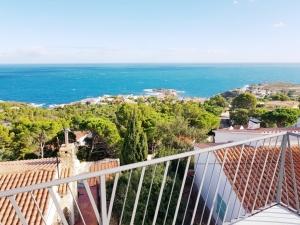 Ref. 26 Casa unifamiliar con vistas despejadas al mar en Port de la Selva.